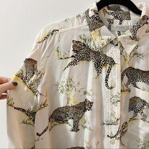 2/25🍉 Vintage big cat/leopard print flowy blouse